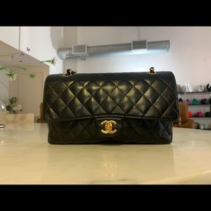 Authentic CHANEL Classic Caviar M/L Double Flap